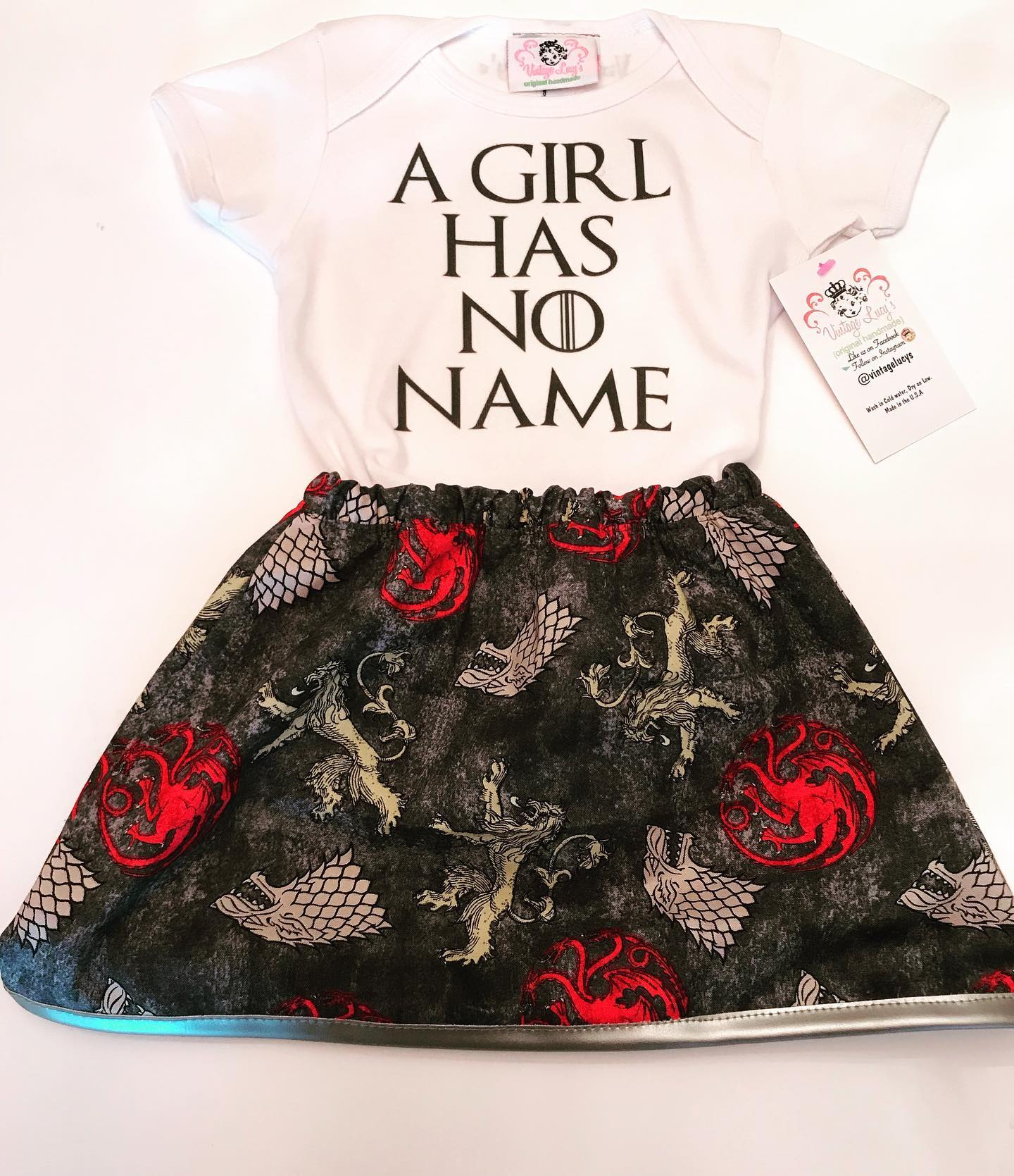 A girl has no name